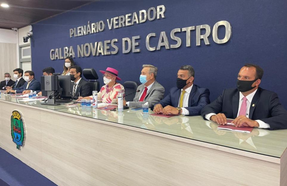 Photo of SIDERLANE MENDONÇA! JHC anuncia vereador como líder do governo na Câmara