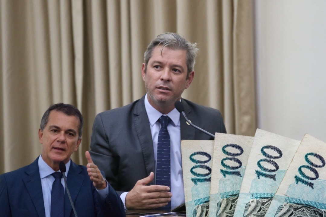 Photo of APOSTOU O SALÁRIO! Cabo Bebeto desafia Ronaldo Medeiros a comprovar falas contra Bolsonaro e diz que doará salário a entidade beneficente