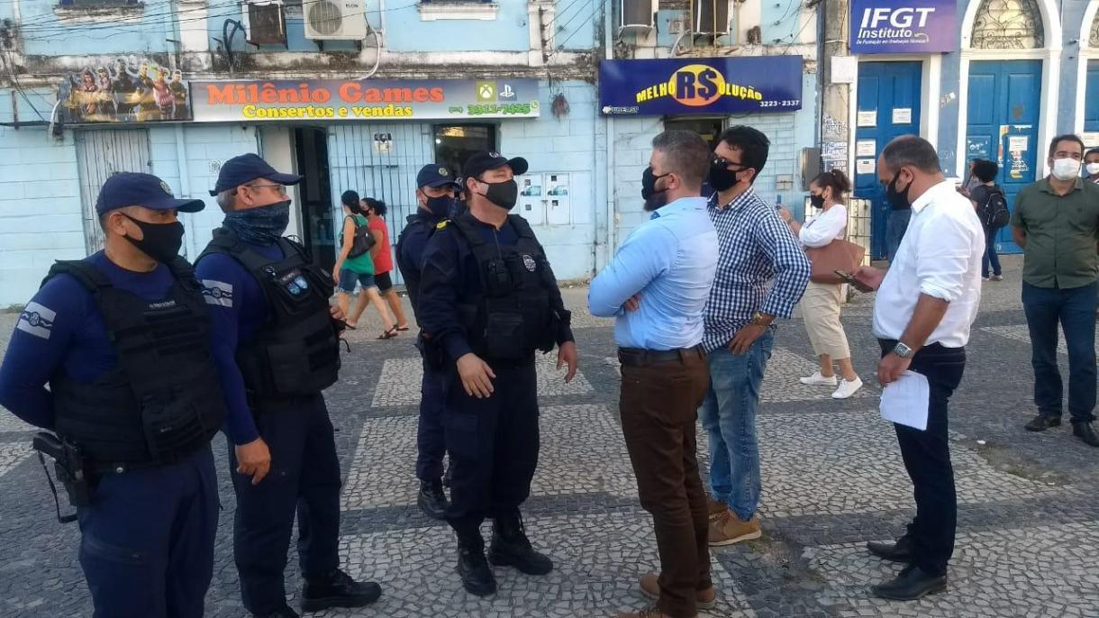 Photo of OUVINDO A POPULAÇÃO! Gestão da Semscs realiza visita técnica no Centro da cidade