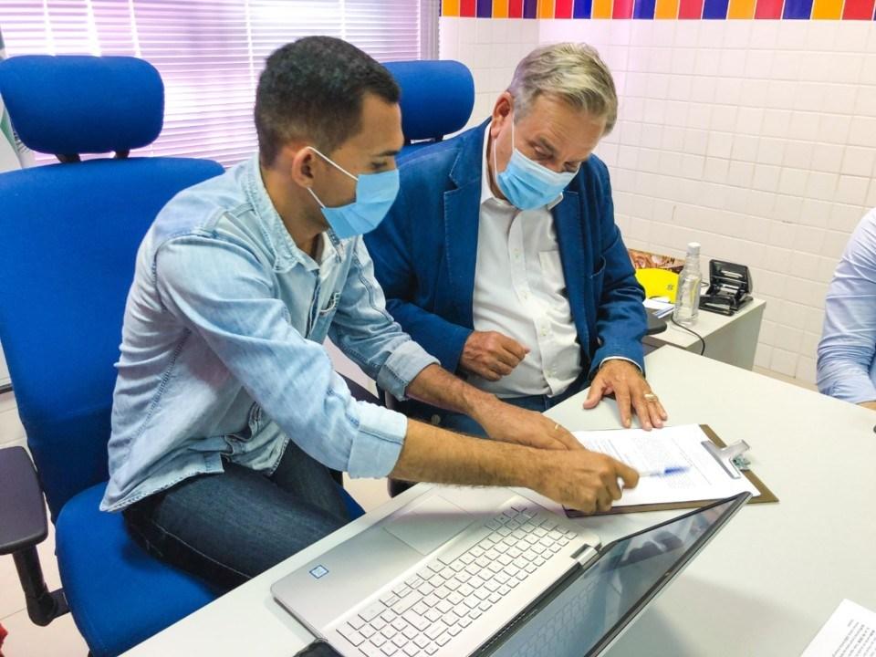Photo of NOVO TEMPO! Conselheiros de Assistência Social são empossados em Maceió