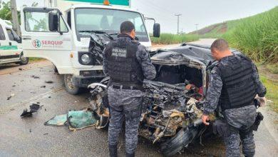 Photo of Acidente entre carro e caminhão deixa uma pessoa morta na AL-105
