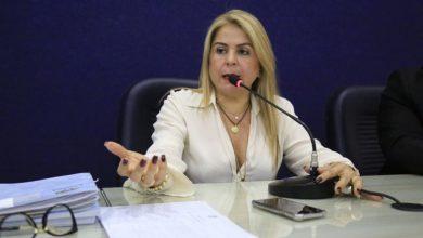 Photo of Câmara de Maceió aprova distribuição de absorventes para alunas da rede pública de ensino