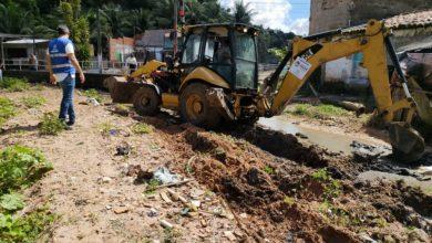 Photo of Limpeza de canal beneficia comunidade no bairro Santo Amaro
