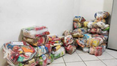 Photo of Prefeitura distribui cestas básicas para guias de turismo de Maceió