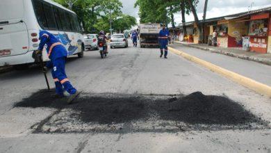 Photo of Operação tapa-buraco: Centro, Ponta Verde, Farol e Cidade Universitária recebem ações