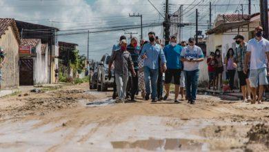 Photo of Prefeito JHC se reúne com moradores e anuncia mais obras de pavimentação na Santa Lúcia