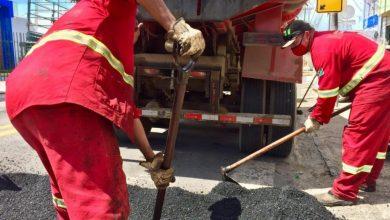 Photo of Infraestrutura aplica mais de 190 toneladas de asfalto para reparar vias na cidade