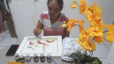 Photo of Grupo de idosas capoeiristas participam de exposição virtual de pintura em tela