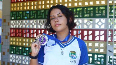 Photo of Aluna da Rede Municipal é medalhista em competição nacional de matemática
