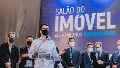 Photo of Prefeito JHC prestigia abertura do Salão do Imóvel Ademi e destaca importância do setor