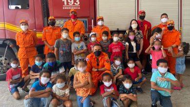 Photo of Crianças da Casa de Adoção Rubens Colaço e Acolher visitam Corpo de Bombeiros