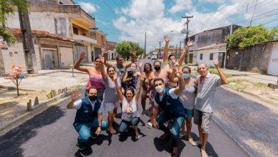 Photo of Prefeito JHC acompanha pavimentação de ruas para beneficiar 55 mil pessoas no Tabuleiro